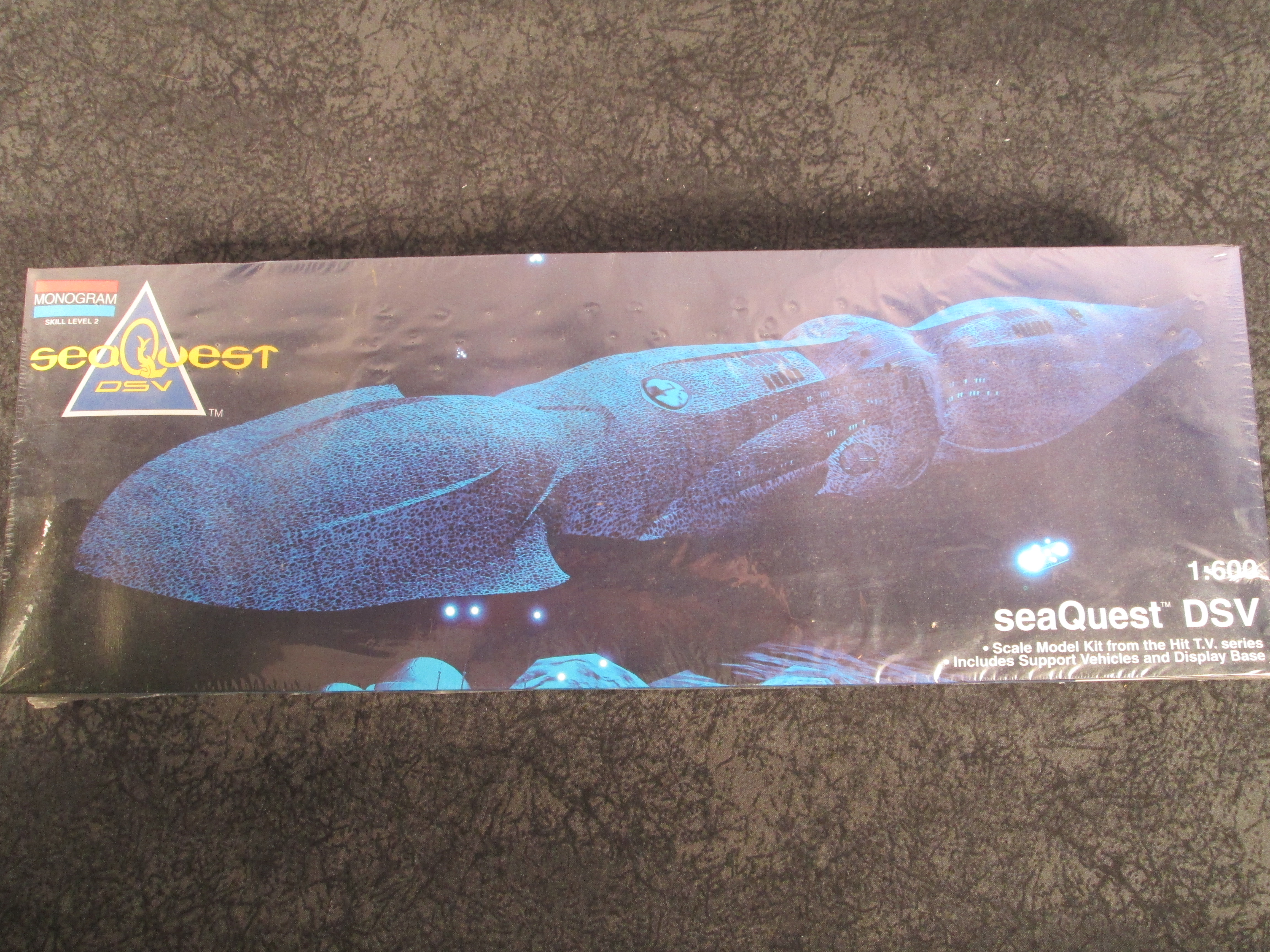Monogram Seaquest 1 600 Scale Dsv Mgm 3600