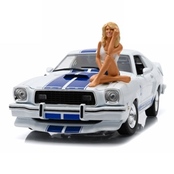 Charliess Angels 1:18 scale 1976 Mustang Cobra II vehicle with Farrah Fawcett Figure