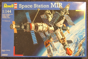 1:144 scale Space Station MIR Plastic Model Kit